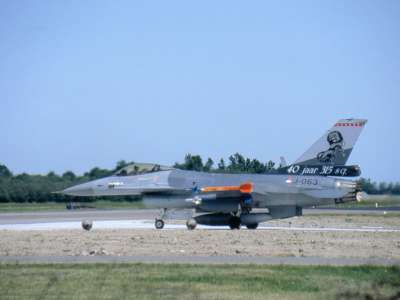 F 16A J 315sq