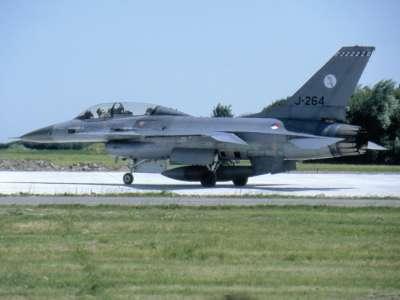 F 16B J 322sq