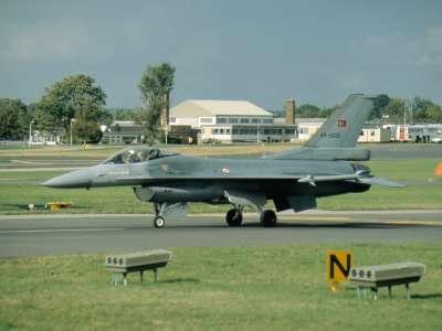 F 16C 895 THY