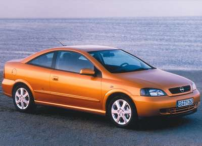 Opel Astra Coupe 01 800x600