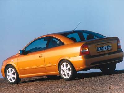 Opel Astra Coupe 02 800x600