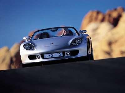 Porsche Carreragt 01 800