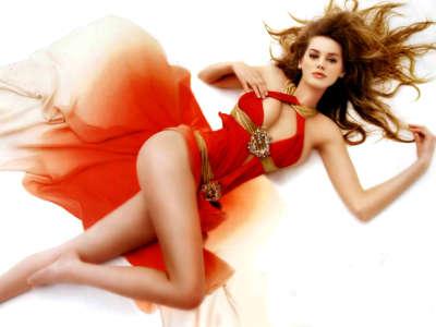 Vanessa Hessler in red