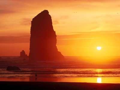 Gentle Waters, Cannon Beach, Oregon   1600x1200