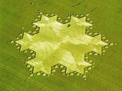 Koch Snowflake, Silbury Hill, England, 1997