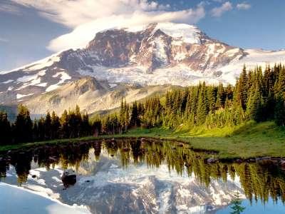 Mystic Tarn and Mount Rainier near Washington