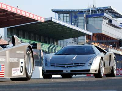 Cadillac Cien Concept 020