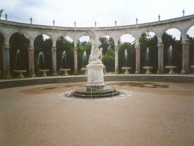 Paris Versailles Fountain 02
