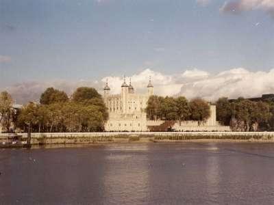 Tower Of London, Far (Nov 2000)