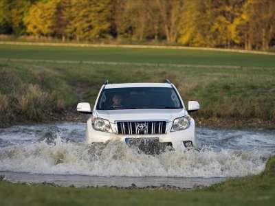 2010 Toyota Land Cruiser Price 07