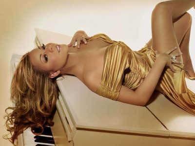 Mariah Carey on piano