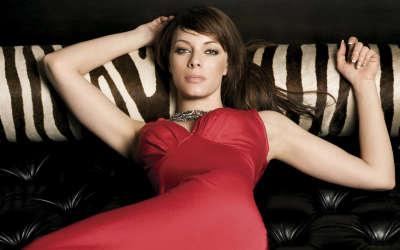 Melinda Clakre in red