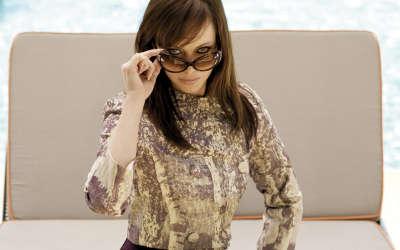 Melinda Clakre with sunglasses