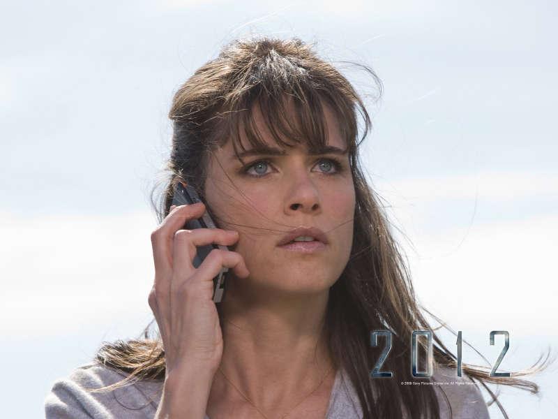 Amanda Peet in Movie 2012