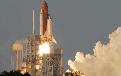 Space Shuttle - Launching