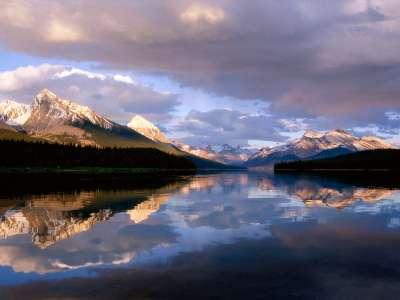 Maligne Lake Jasper National Park in Canadian Alberta