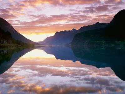 Strynsvatnet Sunrise Norway