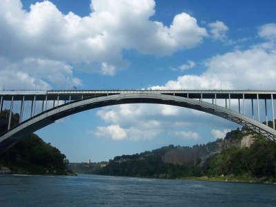 Niagara   Canada Bridge 1