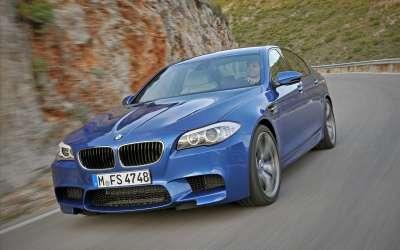 BMW M5 Saloon2
