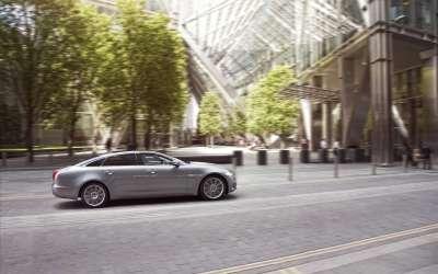 Jaguar XJ2