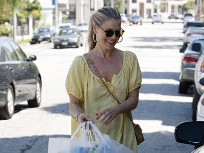 Ali Larter Shopping At Bel Bambino