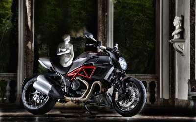 Ducati Diavel1