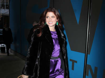Debra Messing Live With Kelly