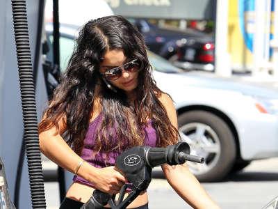 Vanessa Hudgens At Studio City
