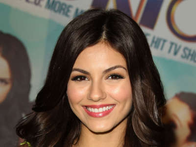 Victoria Justice At The Universal CityWalk In Hollywood