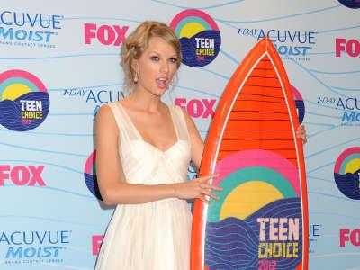 Taylor Swift2 Teen Choice Awards In California