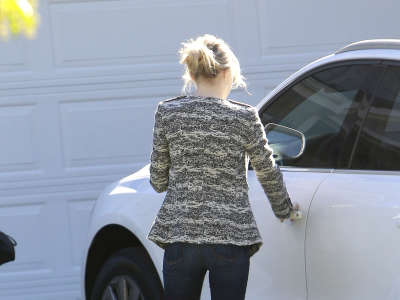 Emma Stone Out And About Candids In Studio City