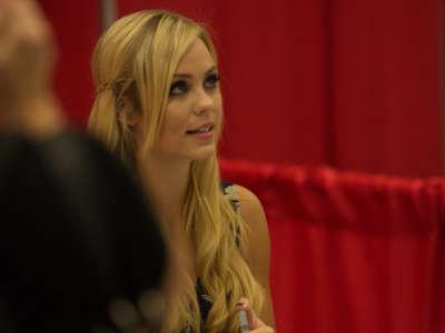 Laura Vandervoort2 Montreal Comic Con Appearance Candids