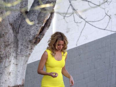 Elizabeth Banks Walk Of Shame Set Candids In Los Angeles