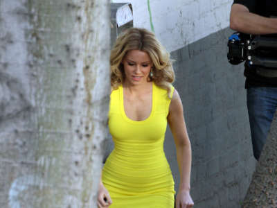 Elizabeth Banks Walk Of Shame Set Candids In Los Angeles